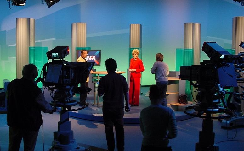 Menschen im Fernsehstudio